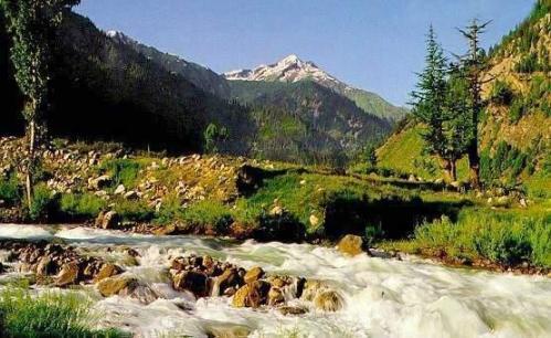1129695-View_of_River_Kunhar_and_Valley-Naran